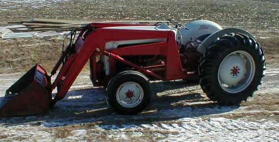 Ford 800 Tractor : Ford series tractor with hydraulic loader for sale